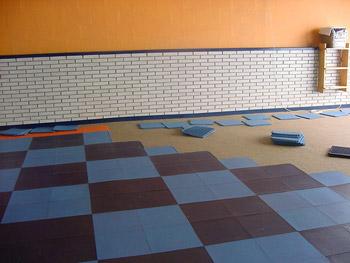 Baldosas antideslizantes solumflex pavimento de gimnasios - Suelo gimnasio ...