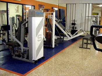 Baldosas antideslizantes solumflex pavimento de gimnasios for Gimnasio 8 de octubre